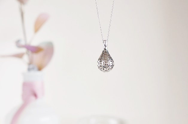 flo perfume jewellery