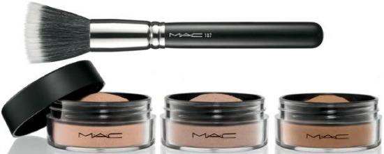 MAC Magically cool liquid powder
