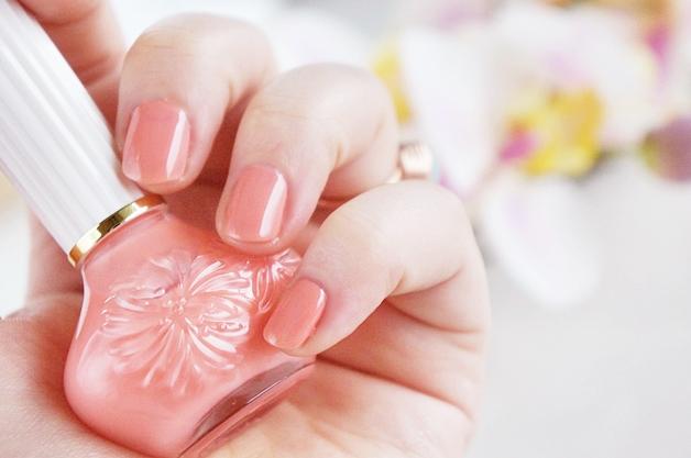 paul-and-joe-nail-polish-10-coral-necklace-4