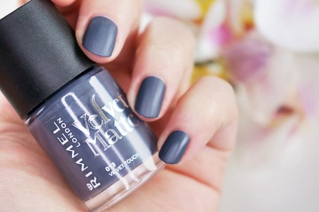 rimmel velvet matte nagellak 2 - Love it! | Rimmel velvet matte nagellak
