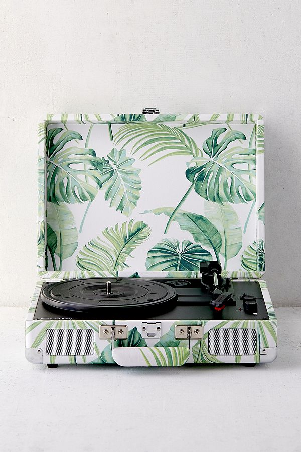 https://www.urbanoutfitters.com/fr-fr/shop/crosley-uo-exclusive-palm-cruiser-bluetooth-record-player?category=record-players&color=&quantity=1&type=REGULAR