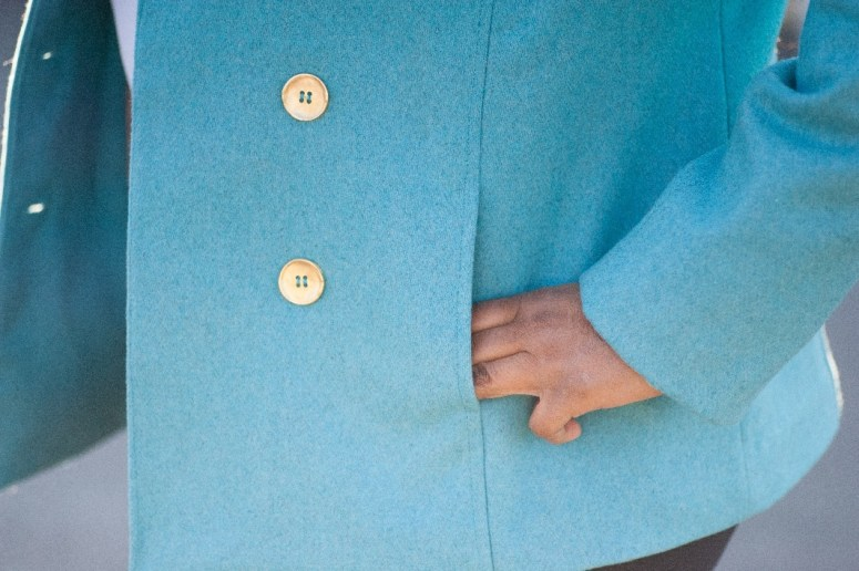 Vogue 1467 Button Details