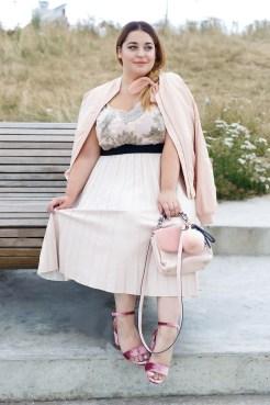 elvi-midi-skirt-danielle-vanier-plus-size-blogger-2jpg