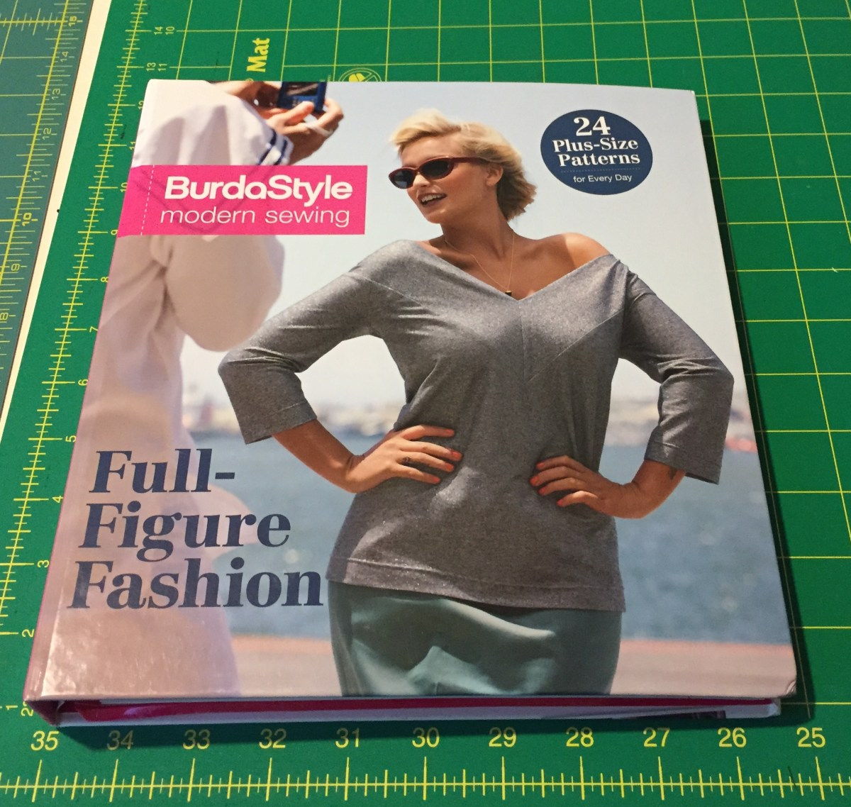 314cc3dff6a Book Review  BurdaStyle Modern Sewing – Full-Figure Fashion