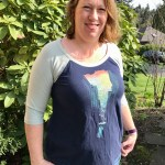 Refashioning graphic tees for your curvy shape