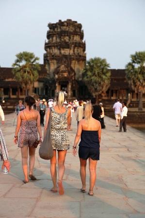 What to Wear Siem Reap