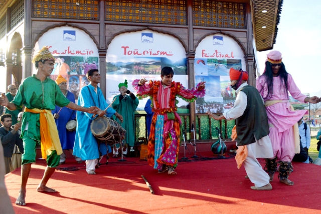 Culture and Festivals in Srinagar