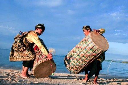 Bau Nyale Festival