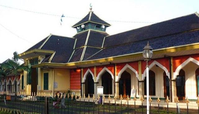 Cipaganti Mosque in Bandung