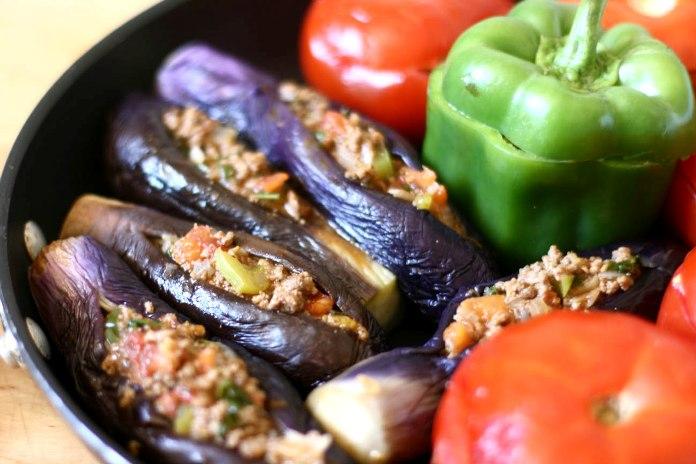 badimjan dolmasi, local speciality, azerbaijan
