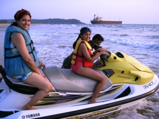 water sports, goa, india, jet skiing