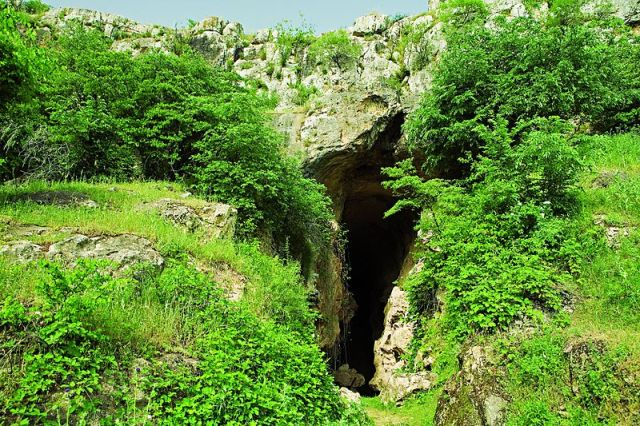 azykh cave, attractions, azerbaijan