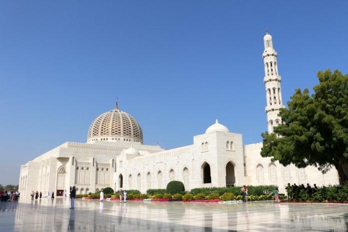 sultan qaboos grand mosque, oman, muscat