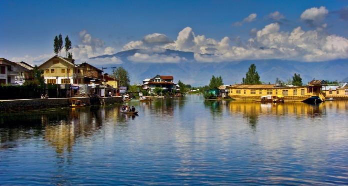 dal lake, india, srinagar