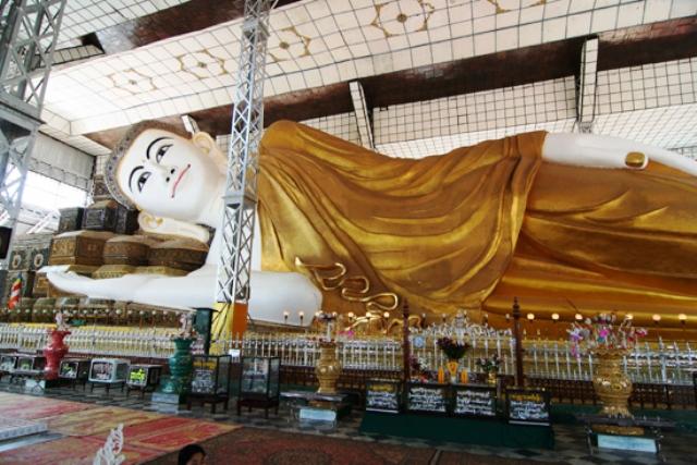 reclining budda, myanmar, yangon, shwethalyaung