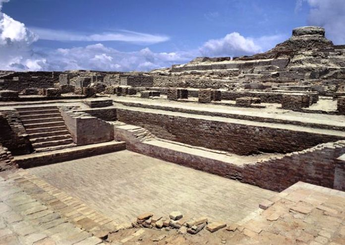 mohenjo daro, archaeological site, pakistan