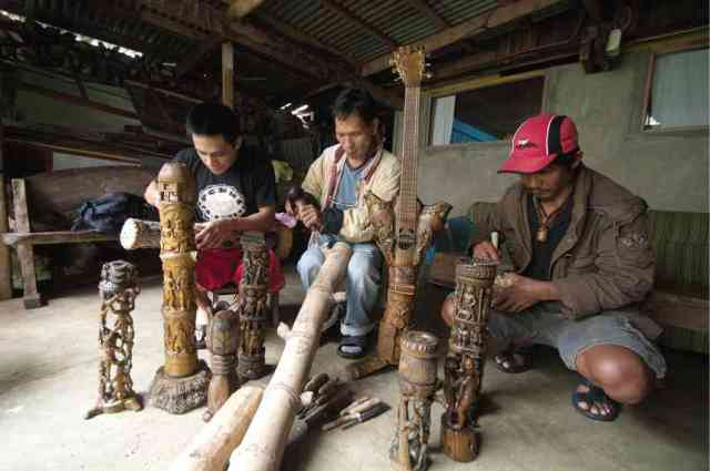 ifugao woodcarvers village, baguio, philippines