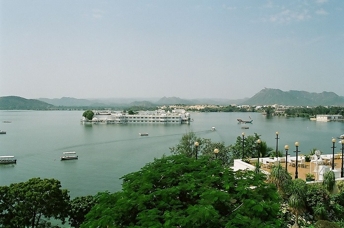 pichola lake, india, udaipur