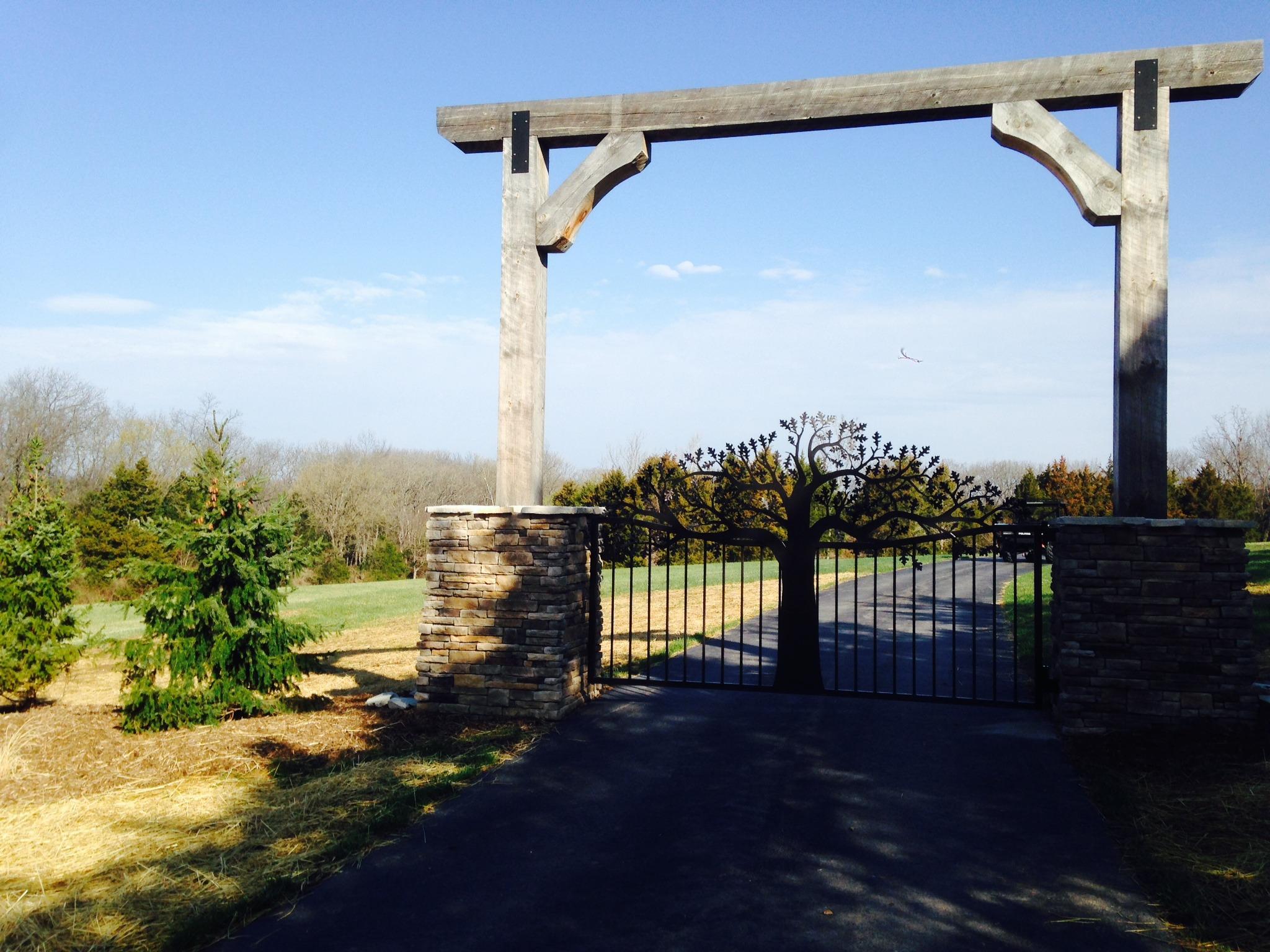 St Louis Missouri Driveway Gates Plasma Cut Oak Tree