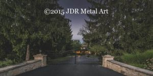 Metal driveway gate made for Dublin, Ohio driveway entrance.