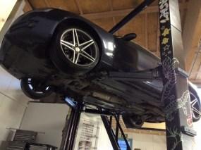 Audi autonosturilla ti-hallissa