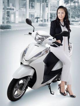 Honda LEAD125 01
