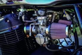 Der Serienmotor wurde komplett schwarz lackiert, mit neuen K&N-Luftfiltern bestückt und abgestimmt. Dazu wird eine kürzere Übersetzung verbaut, um noch besser beschleunigen zu können