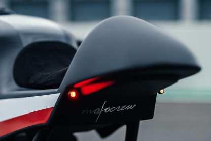 Natürlich stammen auch die Hecklampen-Blinker-Kombi von Motogadget