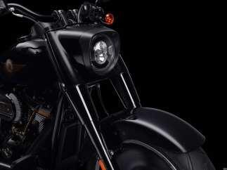 Scheinwerfergehäuse, Lenker und Fußhebel in Vivid Black