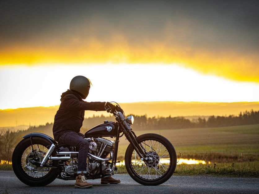Es gibt Momente auf dem Moped, die scheinen aus Gold zu sein