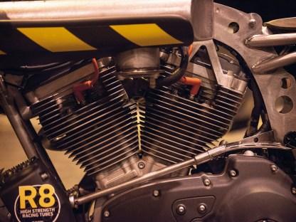 Der Buell-Firebolt-Motor blieb unangetastet. Lediglich das Einspritzsystem wurde auf eine seitliche Ansaugung ungeändert und erhielt eine alkoholtaugliche E85-Umrüstung
