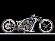 Single sided Digger – Cory Ness, Sohn von Custom-Ikone Arlen, präsentiert sein ganzes Können. Motorrad-Gene sind wohl vererbbar