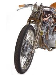 Die Oberflächen der XS 650 glänzen in einer Orgie aus Messing, Kupfer und Edelstahl um die Wette
