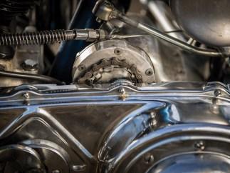 Das Getriebe wird normalerweise über ein Gestänge geschaltet. Gut zu erkennen, dass hier stattdessen ein Fahrradritzel zweckentfremdet wurde