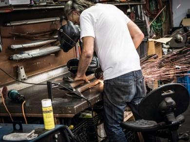 Die vorhandenen Werkzeuge und Maschinen bestätigen, was wir denken – der Hausherr kann so ziemlich alles machen, was der Kunde in Sachen Motorrad wünscht