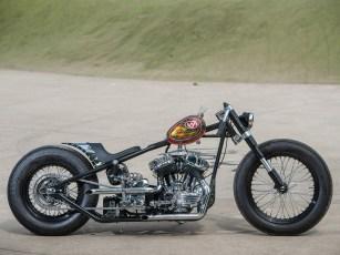 Die moderne USD-Gabel einer Ducati ist Geschmackssache, auch ob man sie mit einem runtergezogenen Lenker à la Boardtrack kombinieren sollte. Aber wir mögen Bikes, die polarisieren und an denen man sich reiben kann – und finden Vins' Harley nebenbei auch ganz schön cool