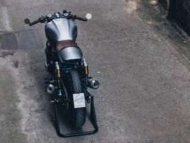 Um die achtzehn Kilo verliert die Honda während des Umbaus, maßgeblichen Anteil daran hat das verschlankte Heck, in dessen Höcker zum Beispiel die Elektronik steckt. Die Anbauteile sind sorgsam ausgewählt