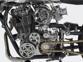 Technik, die Blicke auf sich zieht: Dem Einzylinder wurde ein Kompressor verpasst