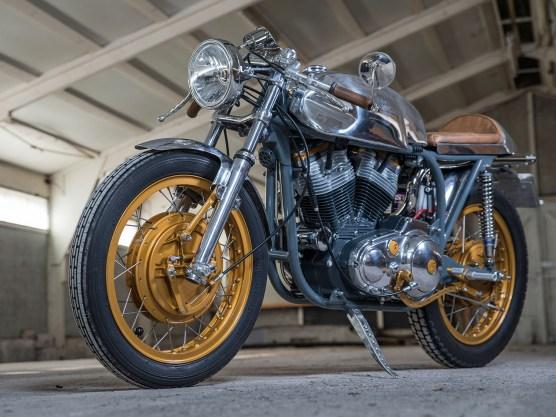 Norton-Federbettrahmen kombiniert mit Harley-Sportster-Aggregat: Bastarde haben beim Bau von Cafe Racern eine lange Tradition