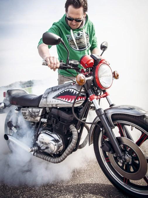 Gib Gummi: Damals das erste Serienmotorrad mit Vierventilmotor, hat die Yamaha XS 500 auch heute noch ausreichend Leistung