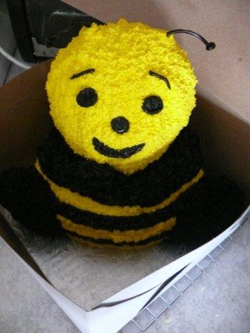 bumblebeecakefront-0