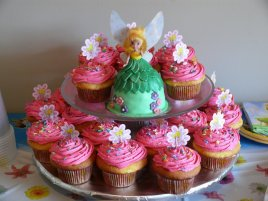 tinkerbellcakewithcupcakes-0