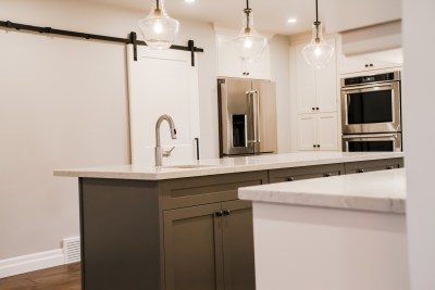 Hollow Timber, Custom Bars, Condo Renos, Feature Walls, Custom Showers, Fire Places, Kitchen Back Splashes, Wine Cellars-84