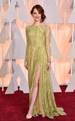 Qué decir del look de Emma Stone? Que estaba PERFECTÍSIMA!!!! en un Elie Saab verde limón seco con transparencias, brillos y un tajo TODO en la medida justa. Las sandalias a tono y accesorios sutiles. El pelo y el make up 10 puntos!