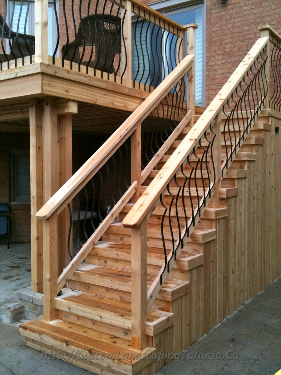 ME Landscaping provides Toronto with Landscaping interlocking Stonework and woodwork