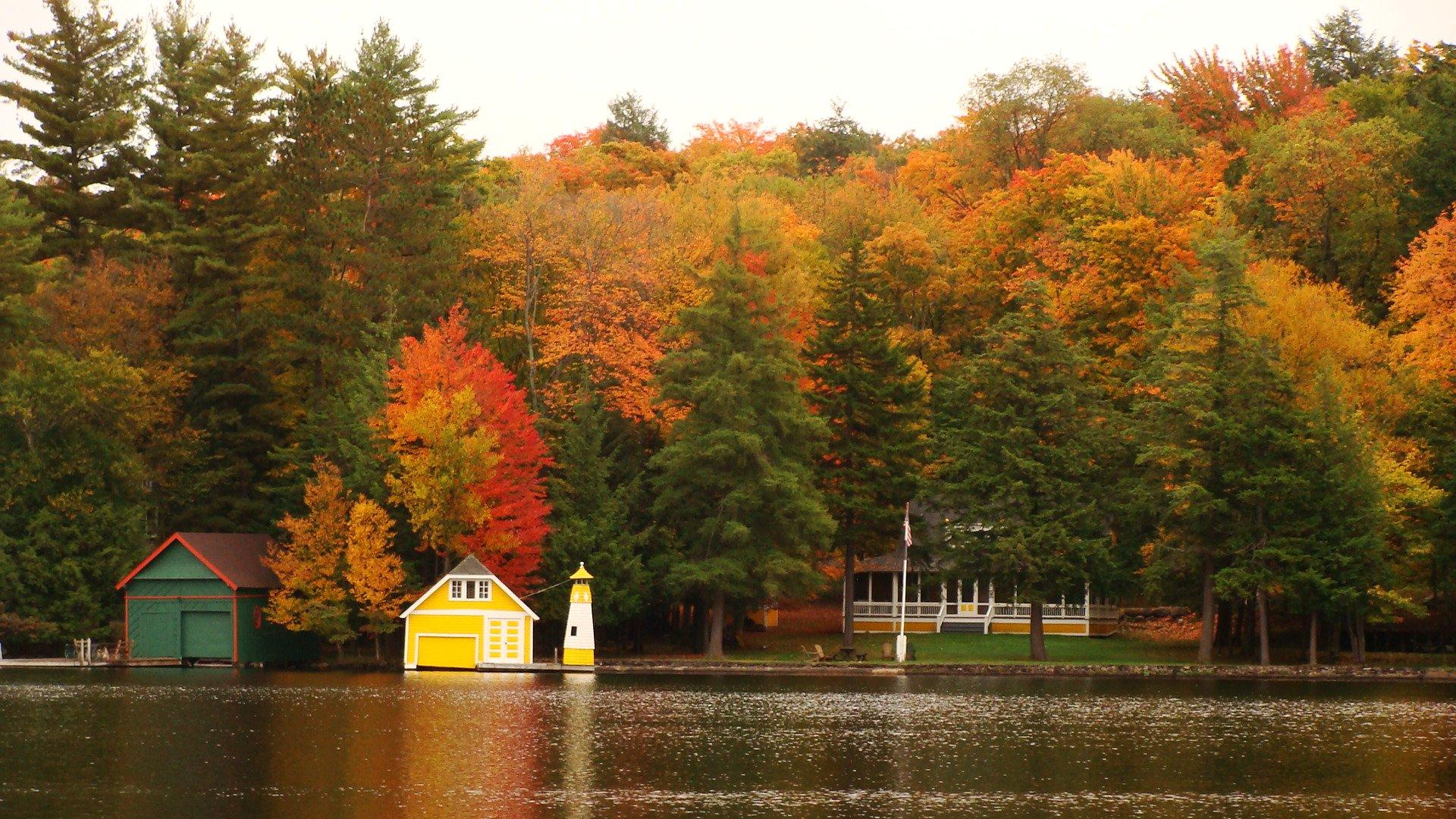 New England Fall Foliage Desktop Wallpaper Fall Lawn Tips Custom Lawn Scapes