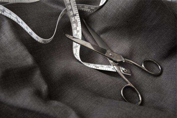 designer-clothes-custom-made-craftman-suit-tailor