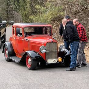 1932 Ford 5W Coupe - 34