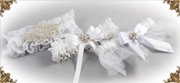 https://customweddinggarter.com/product-category/white-wedding-garters-112