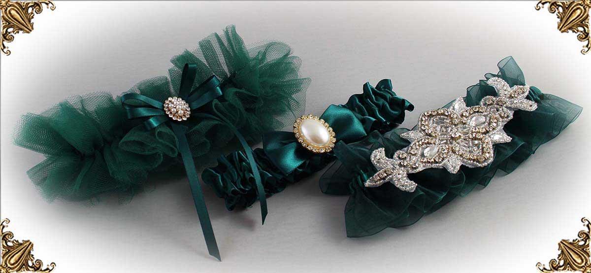 https://customweddinggarter.com/product-category/jungle-green-wedding-garters-589